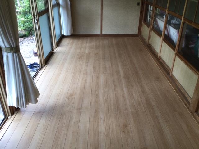 床貼り完了